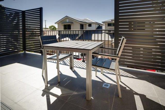 Cardiff Executive Apartments - https://www.newcastleapartments.com.au/wp-content/uploads/2019/01/Balcony-1.jpg