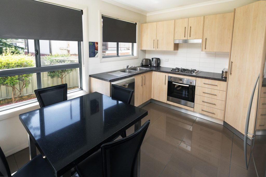 Cardiff Executive Apartments - https://www.newcastleapartments.com.au/wp-content/uploads/2019/01/I9A0879_HR-1024x683.jpg