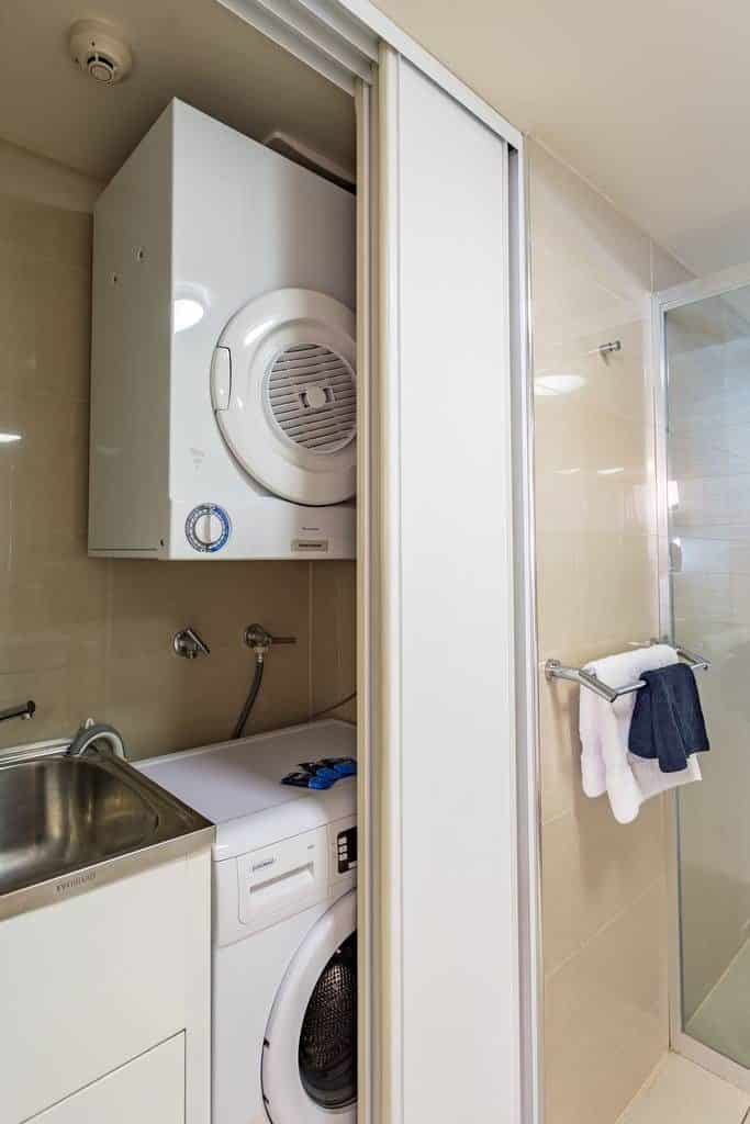 Hotel 111 - https://www.newcastleapartments.com.au/wp-content/uploads/2019/01/scott-30-of-49.jpg.1024x0-683x1024.jpg