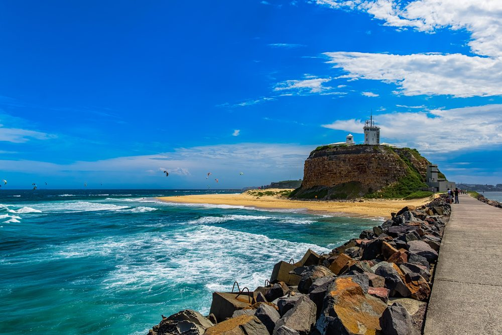 5-Nobbys-Lighthouse-and-Breakwall-in-Newcastle