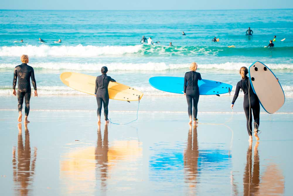 Newcastle-Apartments-Surfing-Lesson