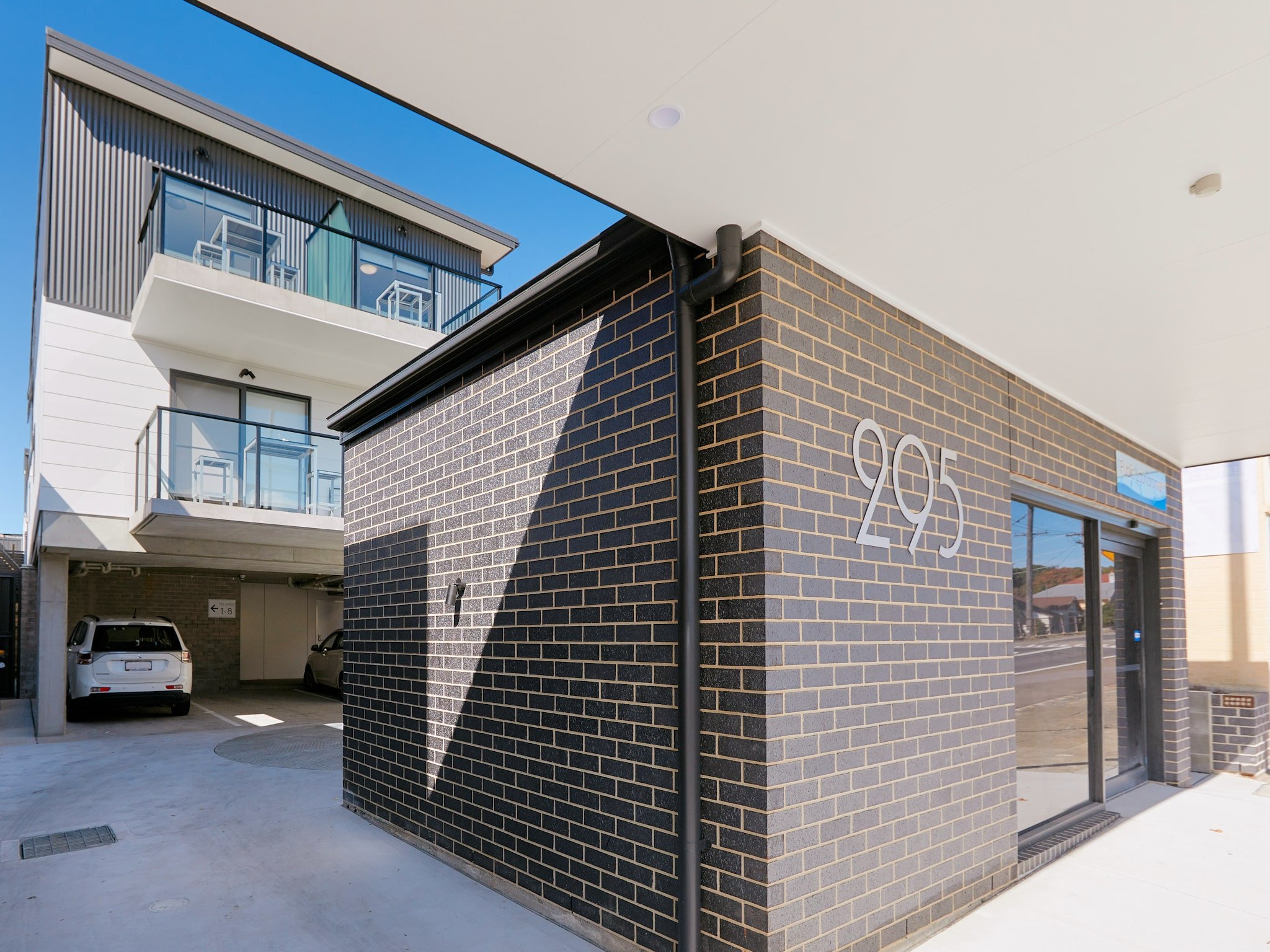 Alfred Apartments - https://www.newcastleapartments.com.au/wp-content/uploads/2019/08/AA-Exterior-2mb.jpg