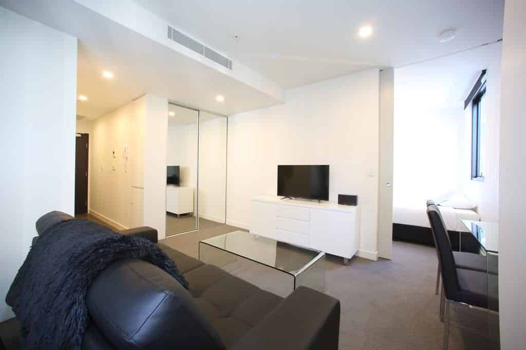 Arena On The Beach - https://www.newcastleapartments.com.au/wp-content/uploads/2019/08/arena-on-the-beach-8.jpg