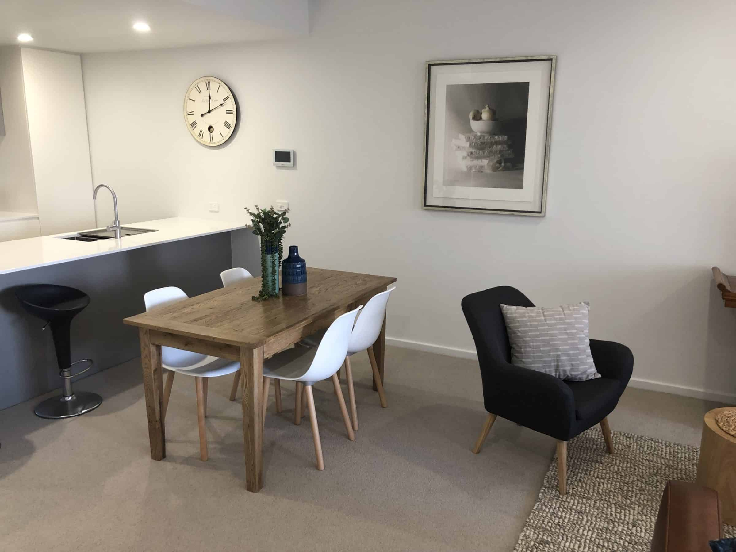 Herald Apartments - https://www.newcastleapartments.com.au/wp-content/uploads/2019/12/Table-scaled.jpg