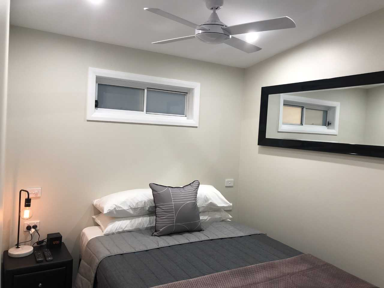 Callaghan Cottages - https://www.newcastleapartments.com.au/wp-content/uploads/2020/02/mirror.jpg