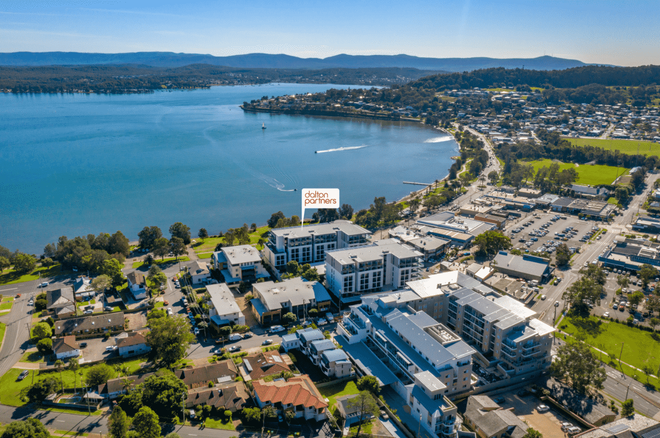 Water's Edge Warners Bay - https://www.newcastleapartments.com.au/wp-content/uploads/2020/10/waterfront-1.png