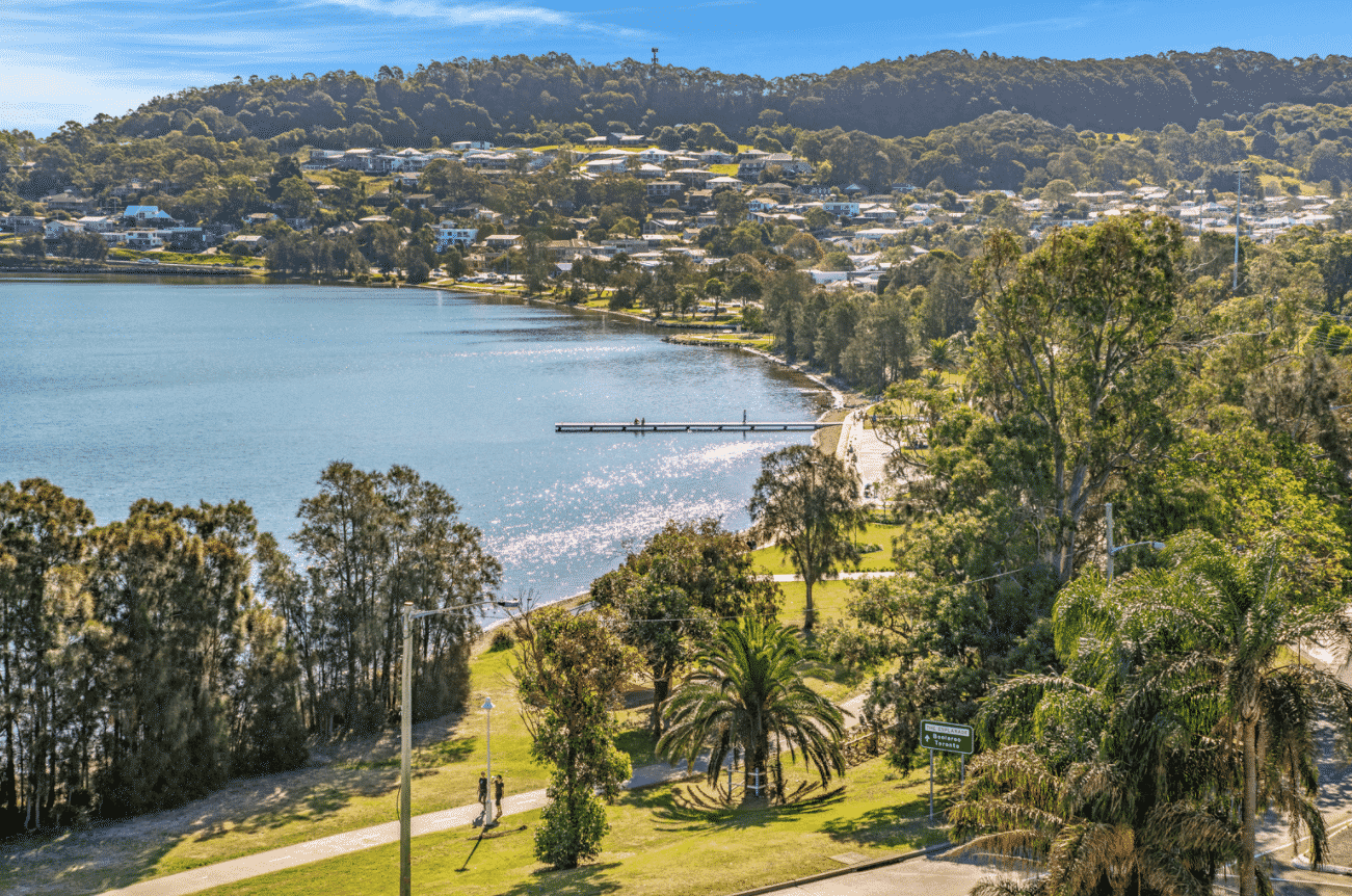 Water's Edge Warners Bay - https://www.newcastleapartments.com.au/wp-content/uploads/2020/10/waterfront-6.png